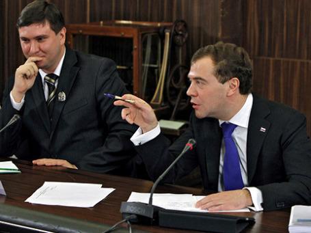Дмитрий Медведев выбрал аудиторию молодых ученых, которым первым доверил новость: в России вводится «пролонгированный день».Фото: РИА Новости