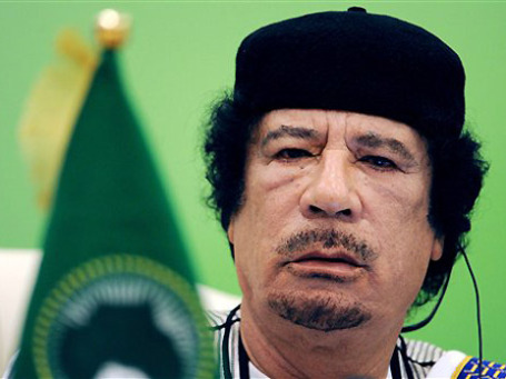 Ливийский лидер Муаммар Каддафи, по сведениям WikiLeaks, имеет свой процент с каждого зарубежного контракта. Фото: AP