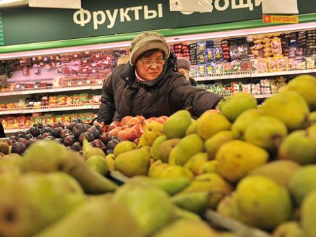 Потребление в России увеличивается не в натуральном выражении, а в стоимостном за счет высокой инфляции. Фото: Митя Алешковский/BFM.ru