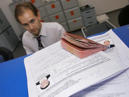 Ассоциация региональных банков предлагает ввести паспорт потребкредита. Он принесет пользу, если вся правда о кредите будет сообщаться до заключения договора потенциального заемщика  с банком. Фото: РИА Новости