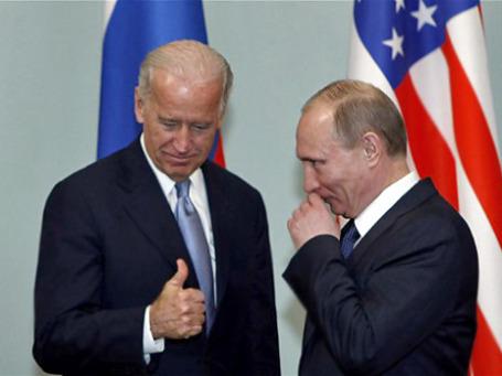 На встрече с Владимиром Путиным вице-президент США доказывал, что дружить с Америкой выгодней, чем вредить ей.  Фото: AP