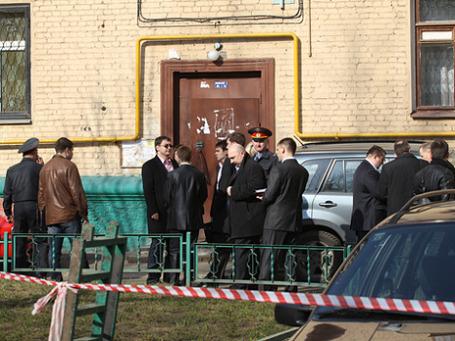 Дерзкое убийство 47-летнего судьи Эдуарда Чувашова было совершено рано утром 12 апреля 2010 года в подъезде дома № 24 по Стрельбищенскому переулку. Фото: РИА Новости