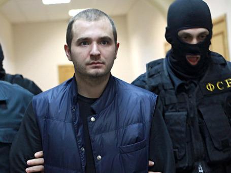 В суд Ивана Назарова доставили как особо опасного преступника — под усиленной охраной спецназа ФСБ. Фото: РИА Новости
