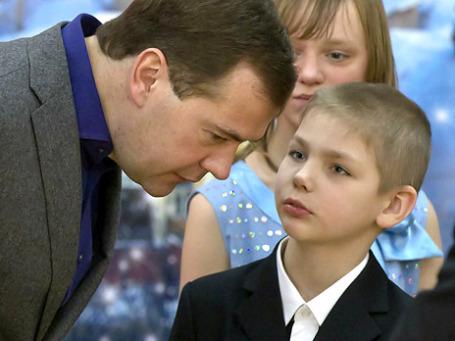 Дмитрий Медведев преподал урок родителям, которые манипулируют детьми после развода. Фото: РИА Новости