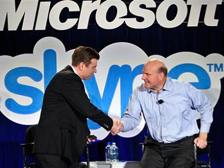 Гендиректор Microsoft Стив Балмер и и гендиректор Skype Тони Бейтс. Фото: AP
