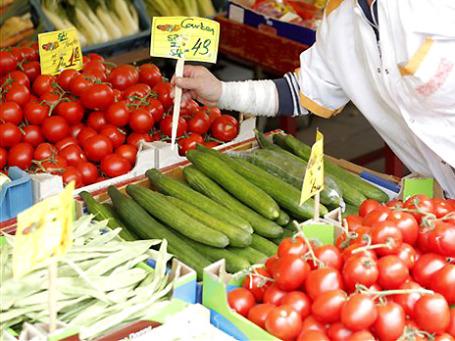 Немецкие власти призвали соотечественников временно отказаться от употребления сырых овощей. Фото: AP