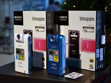 Видеокамеры Sony MHS-PM5. Фото: vivaiquique/flickr.com