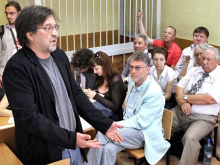 Юрий Шевчук дает показания в качестве свидетеля защиты по делу против Артемия Троицкого. Фото: РИА Новости