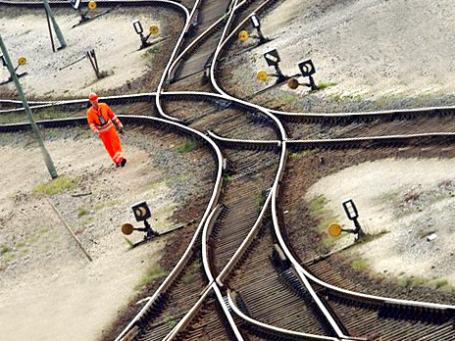 В борьбе с воришками металла Deutsche Bahn использует высокотехнологичное оружие — особые метки на рельсах и проводах. Фото: AP