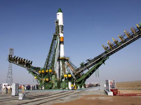 Ракета-носитель «Союз-У» незадолго до старта, который завершится катастрофой. Фото: РИА Новости