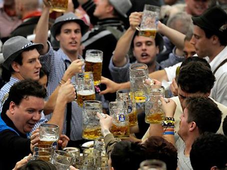 Октоберфест-2011, как ожидается, посетят 6 млн человек. Фото: AP