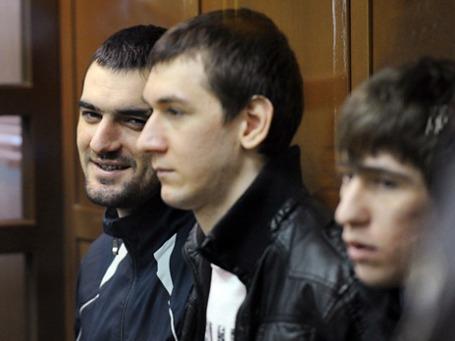 Подсудимые Аслан Черкесов, Акай Акаев, Артур Арсибиев  во время судебного заседания по делу об убийстве Егора Свиридова. Фото: РИА Новости