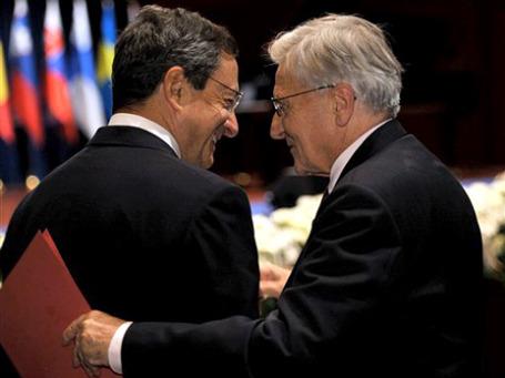 Жан-Клод Трише (справа) и его преемник Марио Драги. Фото: AP