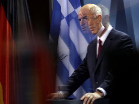 Премьер-министр Греции Георгиос Папандреу: «Правительству необходим более твердый демократический мандат для реализации плана помощи, согласованного на прошлой неделе с ЕС и МВФ». Фото: AP