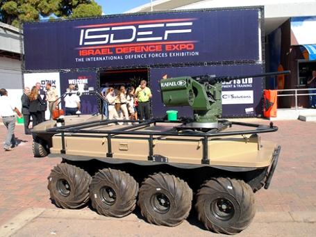 Стоимость такого аппарата составляет около 350 тыс. долларов, но в Министерстве обороны Израиля говорят, что это не так дорого. Фото: Евгений Сова  для bbcrussian.com