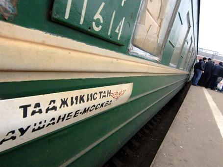 Поток гастарбайтеров из Таджикистана в Москву растет с каждым днем, несмотря на депортацию их земляков. Фото: ИТАР-ТАСС