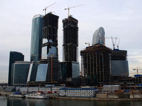 По мнению президента Медведева, Россия прошла полпути до превращения в глобальный финансовый центр, по мнению ВЭФ — поднялась на одну строчку. Фото: koraxdc/flickr.com
