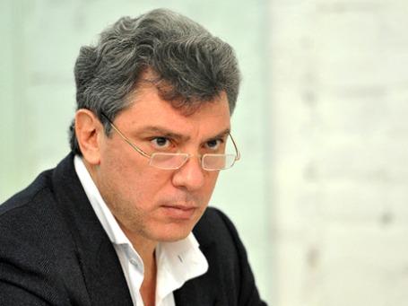 Борис Немцов извинился перед соратниками и собирается подавать в суд на издание, опубликовавшее его телефонные разговоры. Фото: РИА Новости