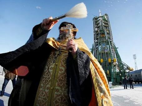 Возродить российскую космонавтику к жизни пытается не только руководство отрасли, но и РПЦ. Фото: AP