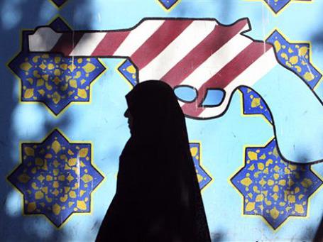Санкции скажутся на иранской экономике, но не станут для нее полной катастрофой и вряд ли заставят Тегеран свернуть ядерную программу. Фото: AP