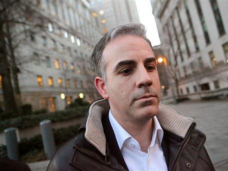 Подозреваемый Энтони Шиассон перед зданием Федерального суда Манхэттена в Нью-Йорке. Фото: AP