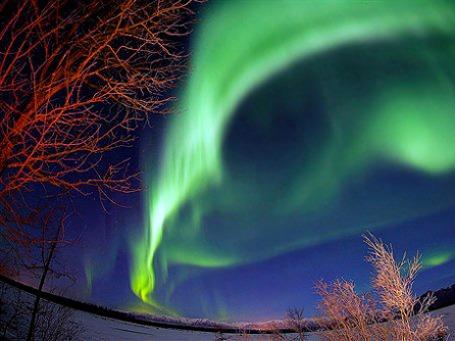 Северное сияние, возможно, удастся увидеть южнее обычных мест проявления этого природного феномена. Фото: AP