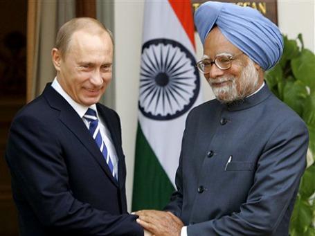 2007 год. Владимир Путин и премьер-министр Индии Манмохан Сингх. Фото: AP