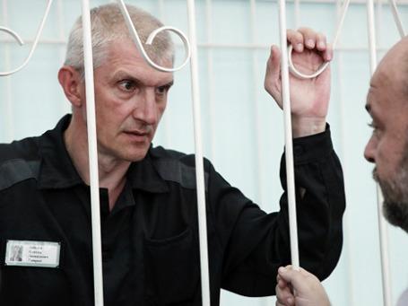 Платон Лебедев просит обязать Минфин выплатить ему компенсацию морального вреда в размере 180 тысяч рублей за незаконное содержание под стражей. Фото: РИА Новости