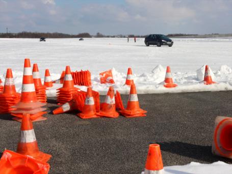 Настоящий лед или укатанный снег ничем не заменишь. Фото: Алексей Аксенов/BFM.ru