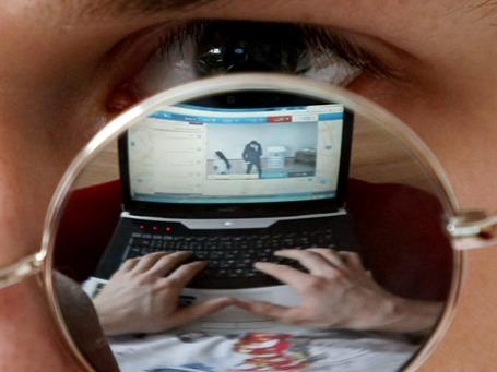 Веб-камеры на избирательных участках должны были обеспечить прозрачность голосования. На деле с ними были связаны нарушения, говорят наблюдатели. Фото: РИА Новости