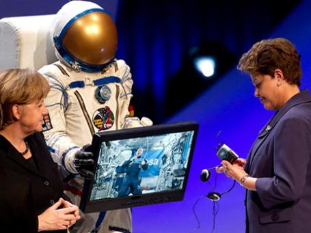 В церемонии открытия CeBIT участвовали канцлер ФРГ Ангела Меркель и президент Бразилии, страны-партнера выставки в этом году, Дилма Русеф. Фото: АР