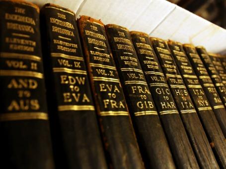 На складах издательства осталось всего 4 тысячи полных собраний «Британники». Фото: miyagisan/flickr.com