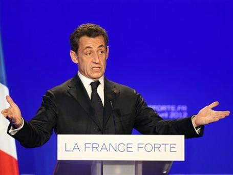 Саркози, судя по последним опросам, на воскресных выборах президента Франции уступит несколько процентов социалисту Олланду. Фото: AP