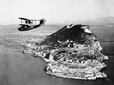 Спор из-за скалы Гибралтар между Испанией и Британией не утихает уже 299 лет. Фото: AP