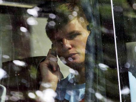 Андрей Аршавин в салоне автобуса возле отеля «Бристоль» в Варшаве в день отъезда с Чемпионата Европы по футболу.  Фото: РИА Новости