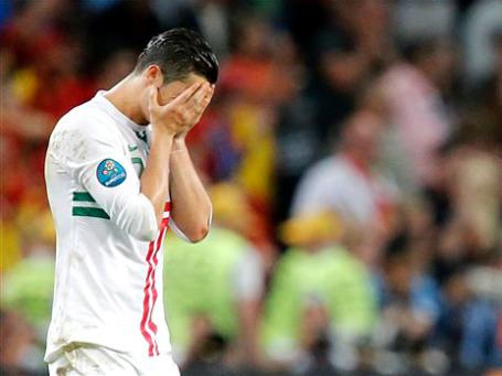 Роналду так и не удалось принять участие в послематчевых пенальти. Фото: АР