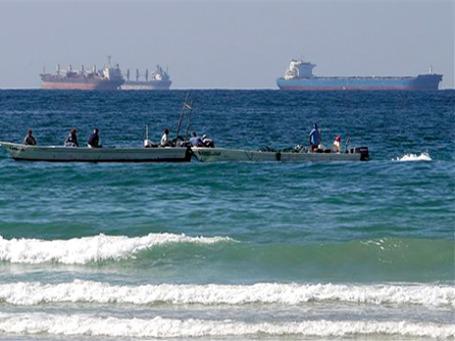 Иранцы нашли способ частично обойти европейское эмбарго — их танкеры ходят под флагом крохотного островного государства Тувалу. Фото: АР
