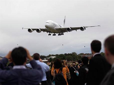 Малайзийские авиалинии показали в Фарнборо свой A380, но не рассказали, почем купили самый большой в мире самолет. Фото: AP