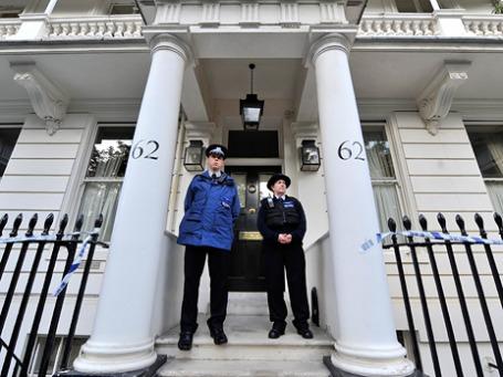 Полиция дежурит около дома Евы Раузинг в престижном лондонском районе Белгравия. Фото: ИТАР-ТАСС