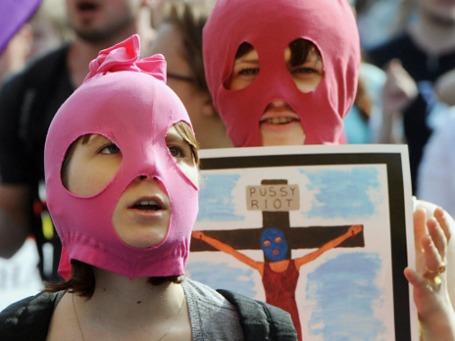Сторонники группы Pussy Riot. Фото: РИА Новости