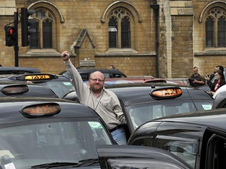 Акция протеста лондонских таксистов. Фото: ИТАР-ТАСС