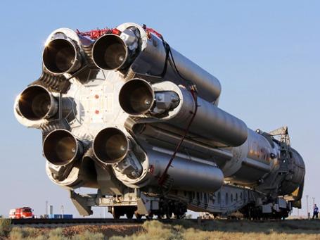 Ракета космического назначения «Протон-М» с разгонным блоком «Бриз-М» и коммуникационным космическим аппаратом «Сириус-5». Фото: РИА Новости