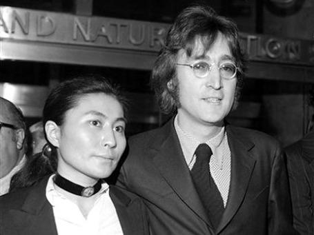 Джон Леннон и Йоко Оно. Фото: АР