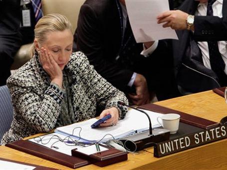 С 2009 года сотрудниками Госдепа во главе с Хиллари Клинтон было создано почти 200 аккаунтов в Twitter и столько же страниц в Facebook, которые читают миллионы подписчиков. Фото: AP