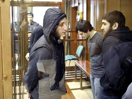 Фигуранты дела о попытке подрыва скоростного пассажирского поезда «Сапсан» летом 2011 года во время оглашения приговора в зале заседаний Мосгорсуда. Фото: РИА Новости