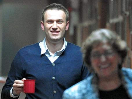 У Алексея Навального теперь двойная подписка о невыезде — он не может выехать даже в Подмосковье. Фото: РИА Новости