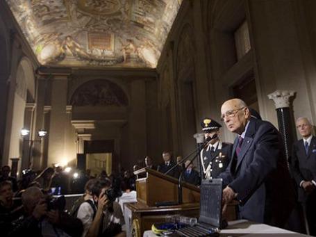 Президент Италии Джорджо Наполитано объявляет о роспуске парламента. Фото: АР