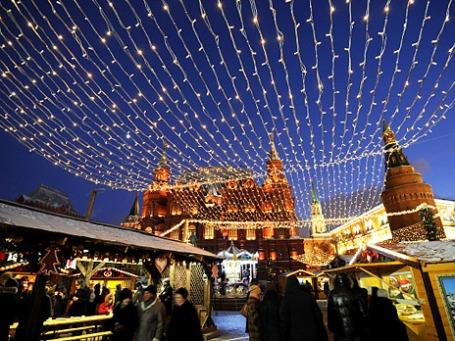 Рождественская ярмарка из Страсбурга на Манежной площади в Москве. Фото: РИА Новости