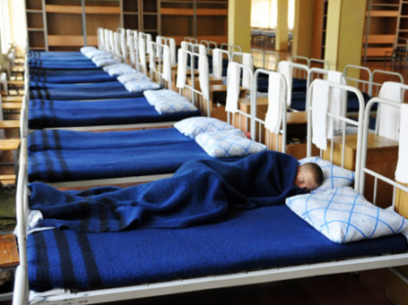 Главный санитарный врач Онищенко отрицает, что солдаты в Подмосковье умерли от атипичной пневмонии. Фото: РИА Новости