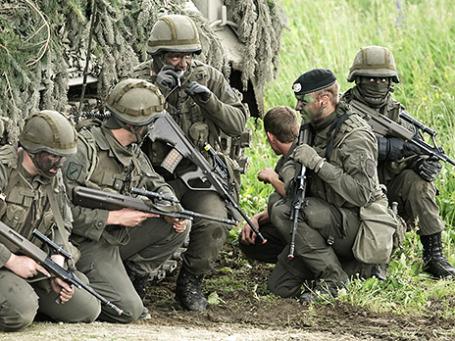 Солдаты австрийской армии на учениях. Фото: Reuters